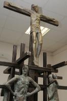 19.Фрагмент скульптурной композиции «Голгофа», бронза, сталь. 2007 г.